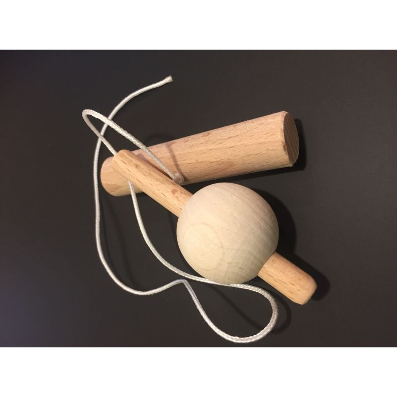 Toupie bois avec poignée et ficelles