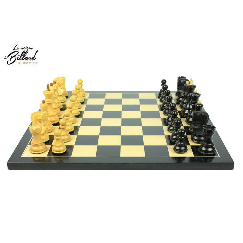 Superbe jeu d'échecs en finition ébène et buis