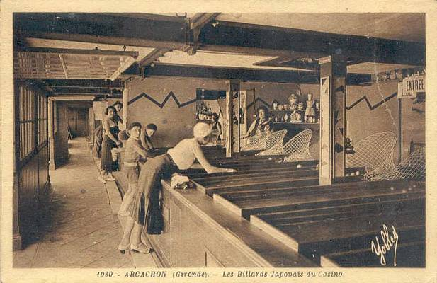 Parties de billard japonais au casino de la plage